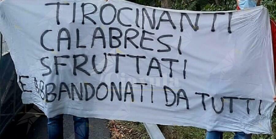 """Tirocinanti calabresi: """"Questa Giunta regionale di Centro-Destra ha fallito miseramente nel dare risposte concrete"""""""