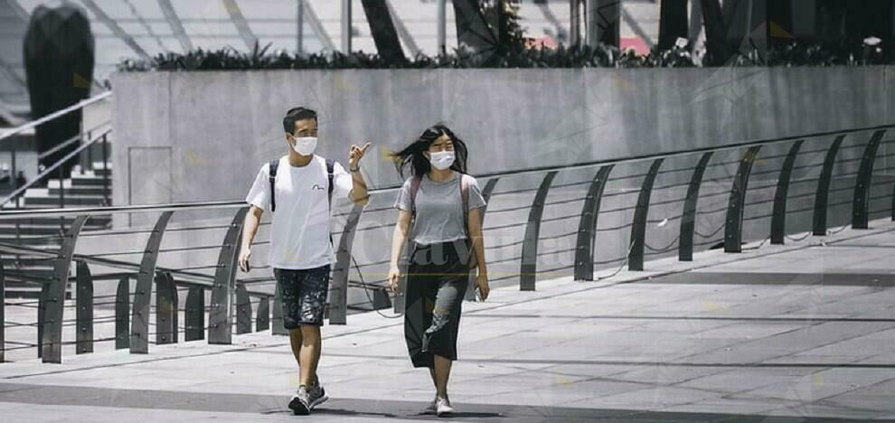 Giovane coppia a spasso per la città nonostante la positività al covid. Denunciati per epidemia colposa