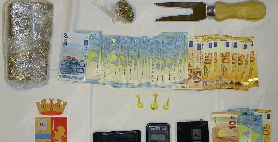 Deteneva cocaina, hashish e marijuana, arrestato 21enne