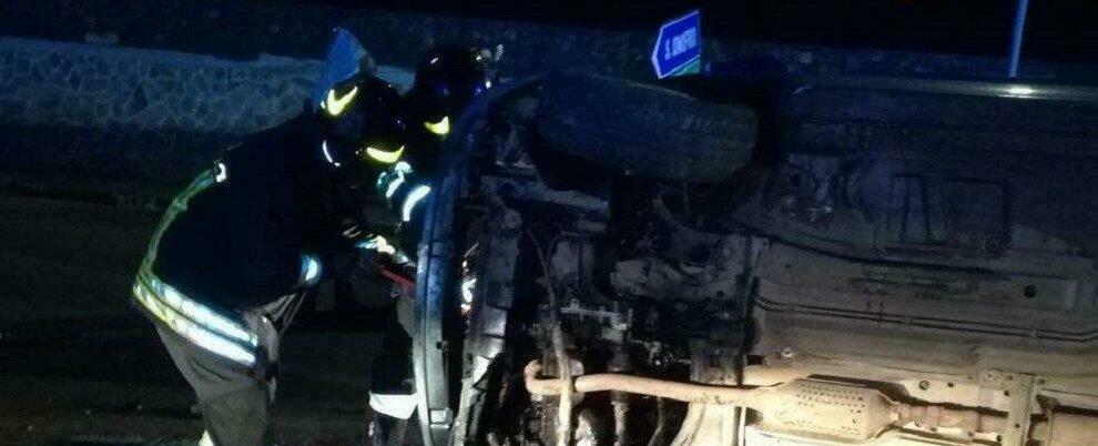 Incidente in Calabria: auto si ribalta, il conducente rimane incastrato