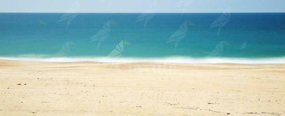 Ritrovato un cadavere in spiaggia tra Riace e Camini
