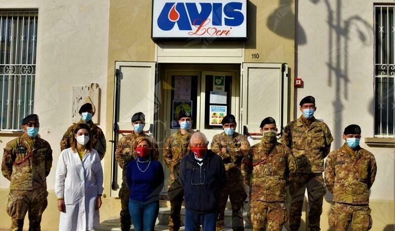 Locri: Gli uomini e le donne dell'Esercito donano il sangue per fronteggiare l'emergenza covid