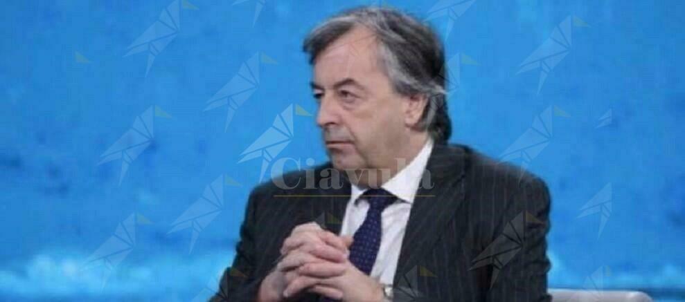 """Burioni: """"Il governo prepari le siringhe per il 22 dicembre insieme ai vaccini"""""""