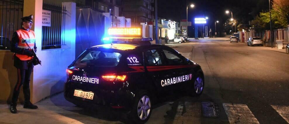 Calabria, da tempo subiva minacce e molestie dal marito e dal figlio: scatta il divieto di avvicinamento per due persone