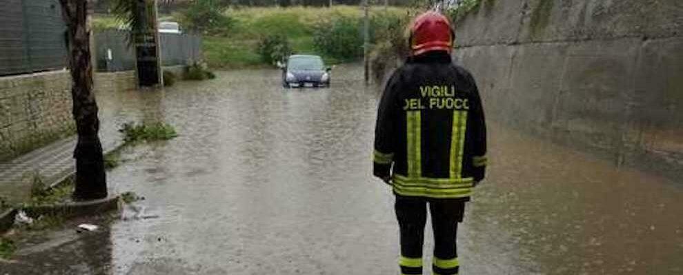 Maltempo, disagi e allagamenti a Reggio Calabria: decine gli interventi dei vigili del fuoco
