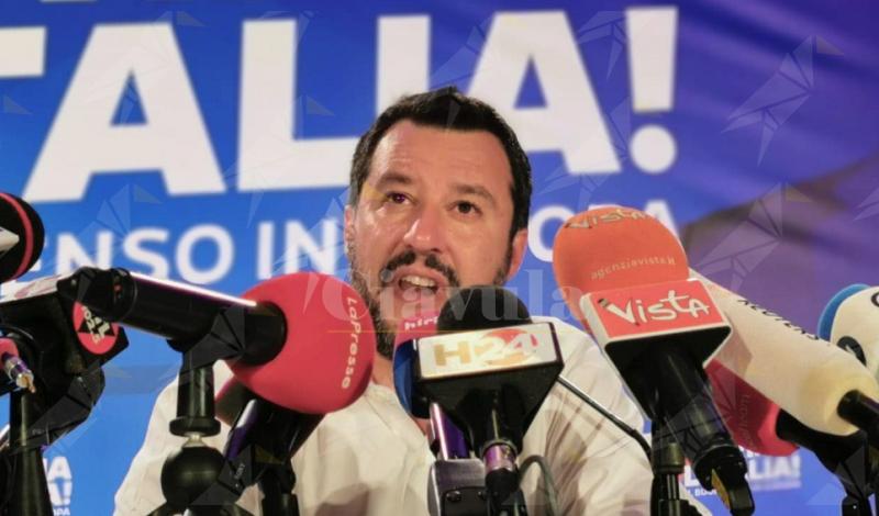 """Salvini: """"Non è tempo di votare, bastano quindici persone in Parlamento per avviare una fase nuova"""""""