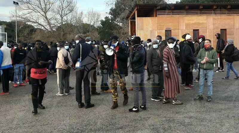 """USB: """"Gli abitanti della tendopoli di San Ferdinando scioperano per chiedere diritti e dignità"""""""