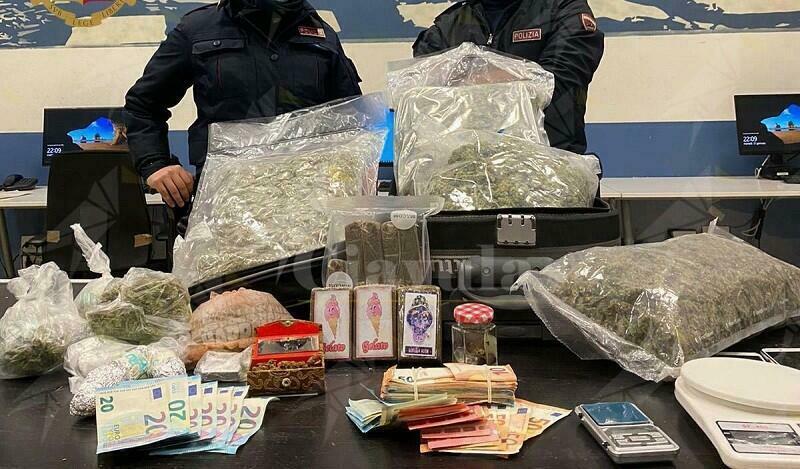 Sorpreso in possesso di 5,3 kg di droga, arrestato