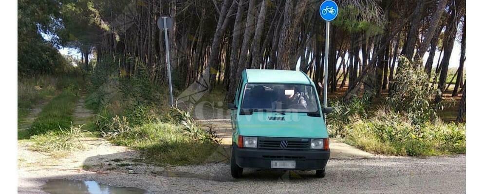 Pista ciclabile Caulonia-Roccella? Sbagliato, strada per auto!