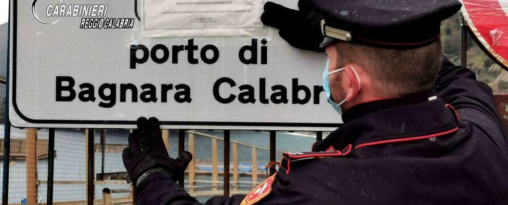 Sversamento di rifiuti e attività di cantiere navale non autorizzate: sequestrata l'area portuale di Bagnara Calabra