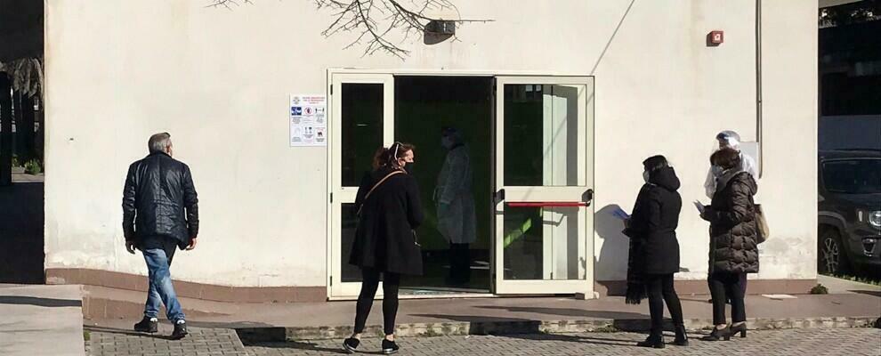 Gioiosa Ionica, operatori scolastici sottoposti al tampone