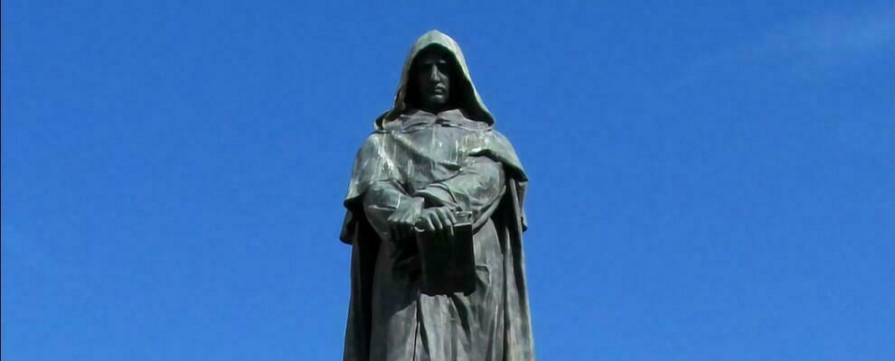 Il 17 febbraio 1600 veniva bruciato Giordano Bruno. Le religioni uccidevano e uccidono