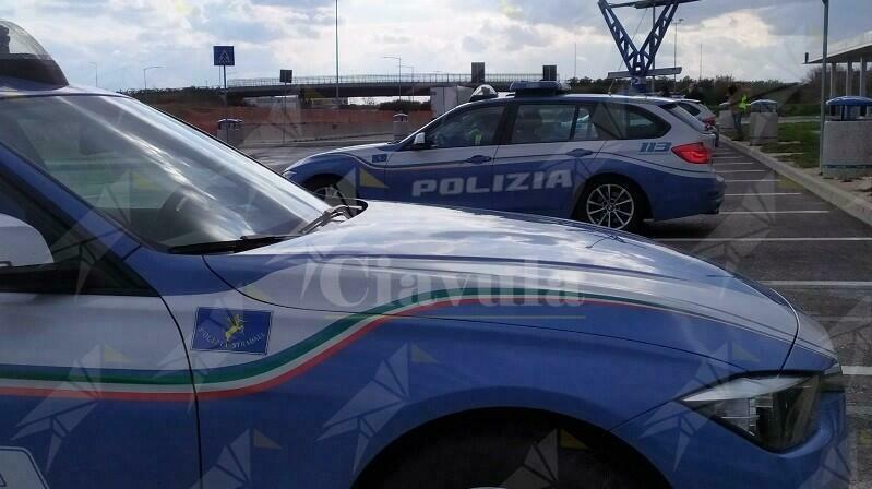 Calabria: Rapinano l'autista di una ditta e gli rubano il furgone. Arrestato uno dei ladri