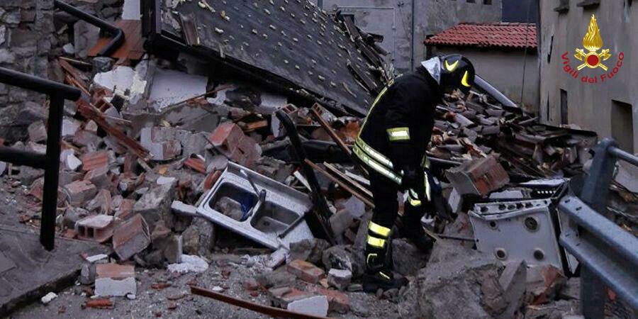 Esplode una casa per una fuga di gas, non ci sono vittime