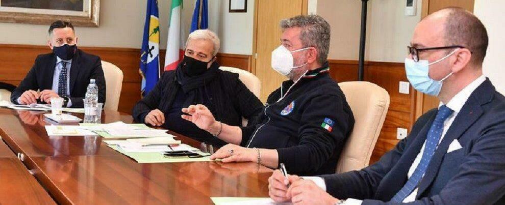 """Astrazeneca, in Calabria somministrate oltre 5 mila dosi del lotto sequestrato. L'unità di crisi: """"Verifiche sui vaccinati"""""""