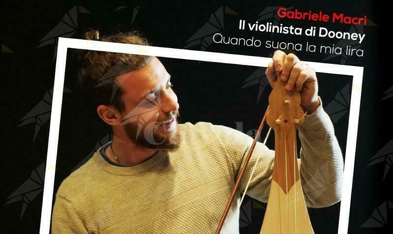 Il giovane polistrumentista calabrese Gabriele Macrì rende omaggio a Branduardi in chiave popolare