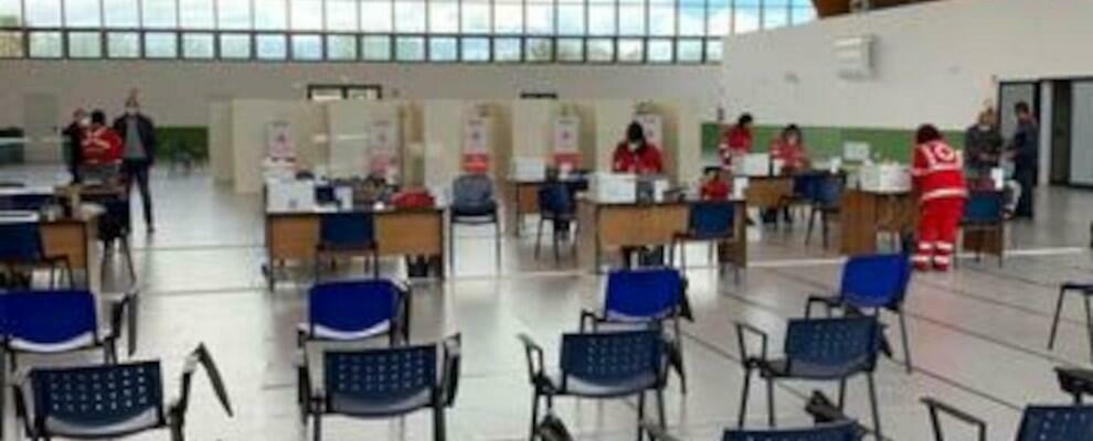 Vaccinazioni anti-covid, aperte le prenotazioni per l'hub di Siderno