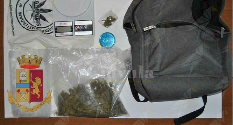 Calabria: Trovato in possesso di 120 grammi di marijuana, arrestato