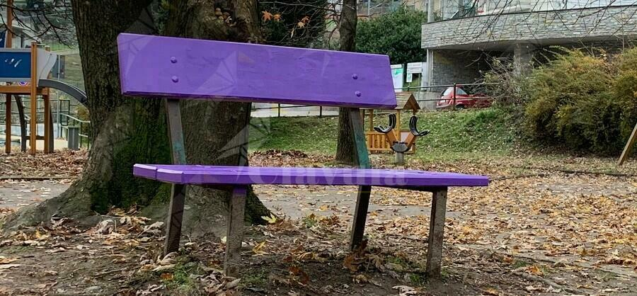 Il comune di Locri aderisce alla settimana nazionale delle panchine viola