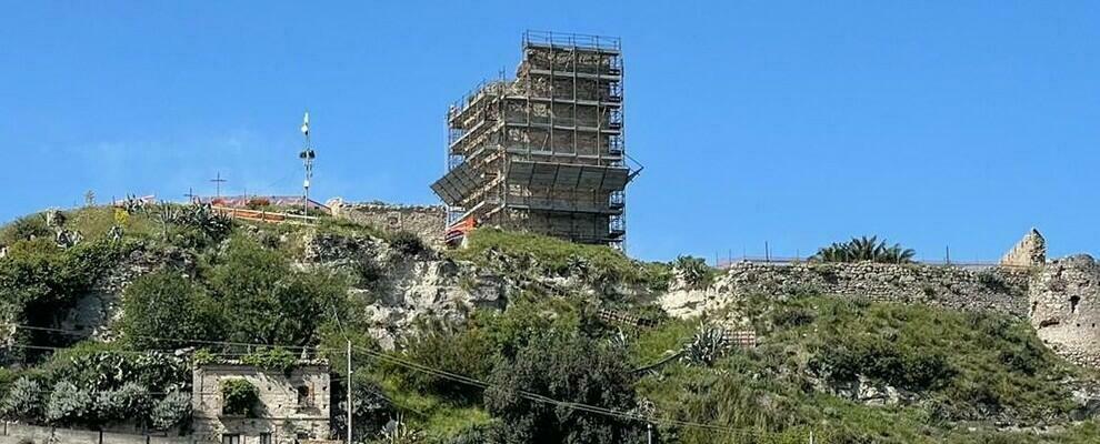 Sant'Ilario dello Jonio: proseguono i lavori di restauro al Palazzo Vitale e al castello di Condojanni