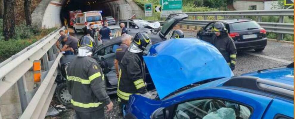 Tamponamento a catena in autostrada: feriti e traffico in tilt