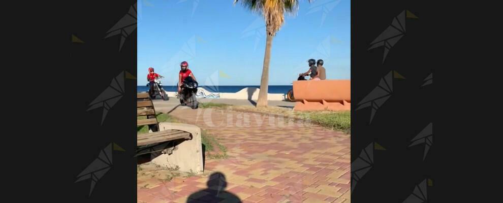 Caulonia, il paese senza regole. Lungomare pericoloso per i bambini – video