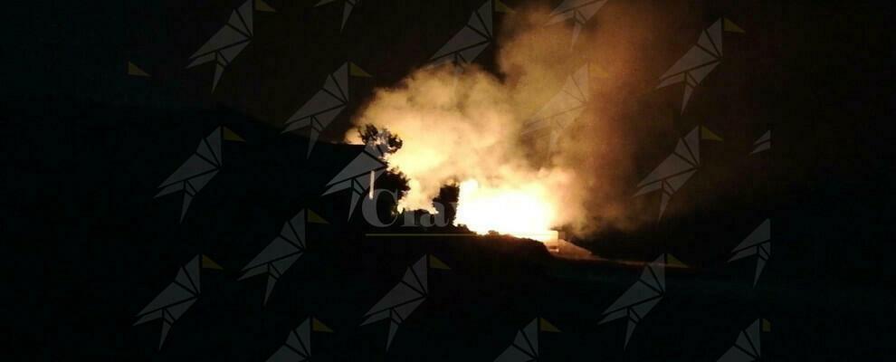 Incendio anche a Caulonia marina