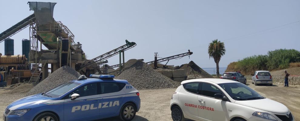 Calabria: scarti di lavorazione sversati in mare, struttura sequestrata e titolare denunciato