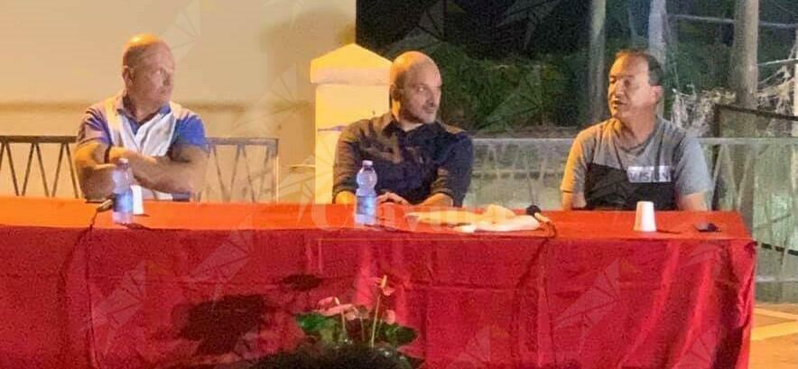 Comizio di Mimmo Lucano e Rosario Rocca a Benestare. Puntano su sanità pubblica e acqua bene comune
