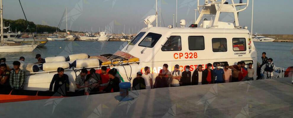 Ancora un altro sbarco a Roccella Jonica, in 68 al Porto delle Grazie
