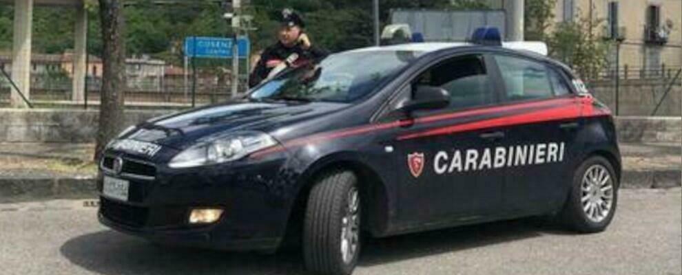 Dramma in Calabria, undicenne precipita dal balcone di casa: è grave