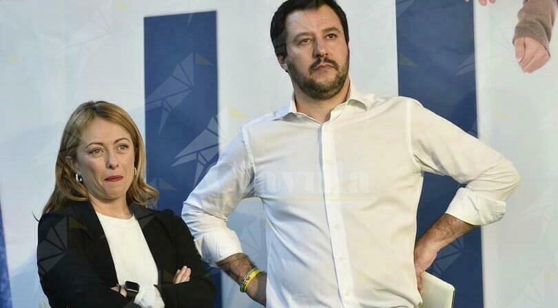 Meloni e Salvini, una all'opposizione e l'altro al governo per alimentare il caos