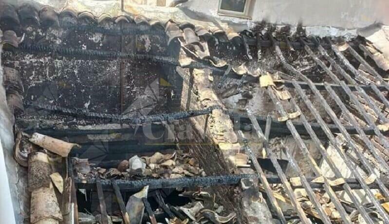 A fuoco una casa nel comune di Benestare. Il racconto dell'ex sindaco Rocca