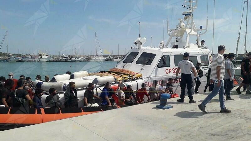 Nuovo sbarco di migranti a Roccella Jonica