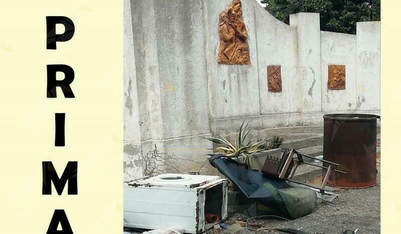Benestare, il comune rimuove i rifiuti depositati davanti al cimitero