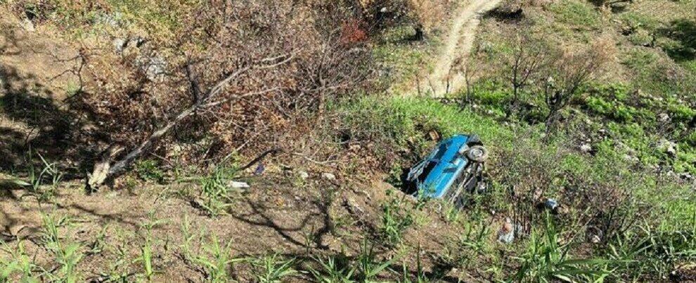 Grotteria, auto precipita in una scarpata: ferito un anziano