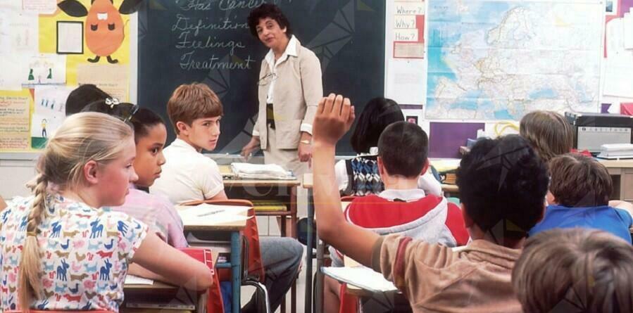 Scuola, stipendi dei precari bloccati, scatta la diffida del Codacons